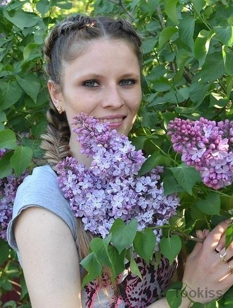 Birtee – Deutsche Amateur Milf saugt für eine Gesichtsbehandlung