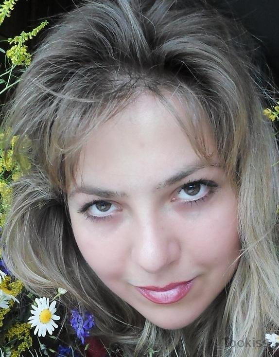Celiaf – Blonde Amateurin in Strümpfen