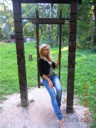 FannyM – Alina bekam ihre Arschbacken gespritzt