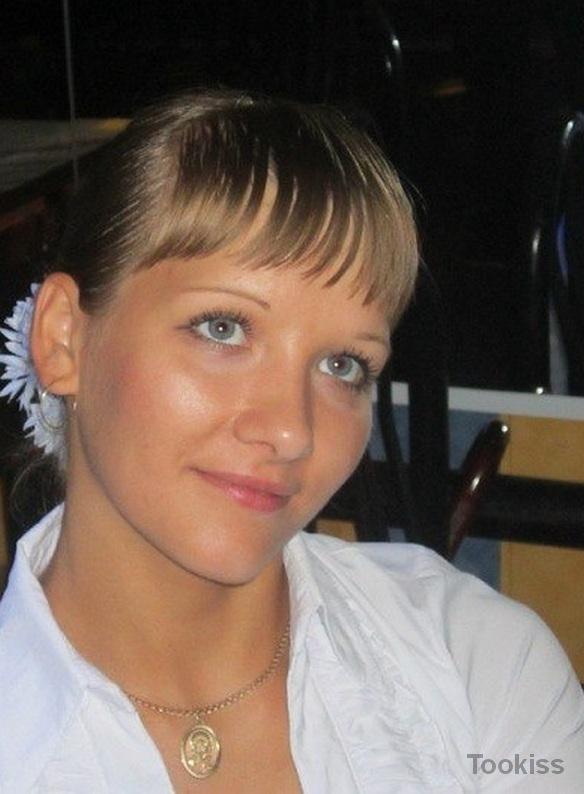 Laccey – Eine Frau, die sich allein verführt, weil sein Mann weg war