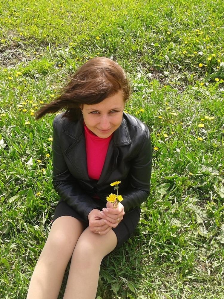 Stefaniefg – Schwüle erstaunliche Teenie Lota liebt Sperma