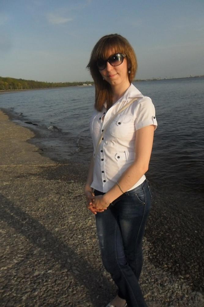aN_jI – Amateur Fußfetisch Freundin saugt und gibt einen Footjob