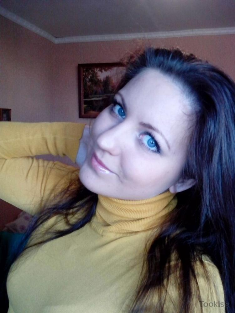 elis_soone – Veronica Diamond verwendet ein Ehegerät, um es aufzupeppen