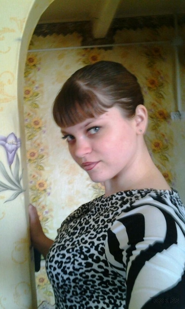 Emmylina – Der erstaunlich junge Juli C genießt eine extreme Action
