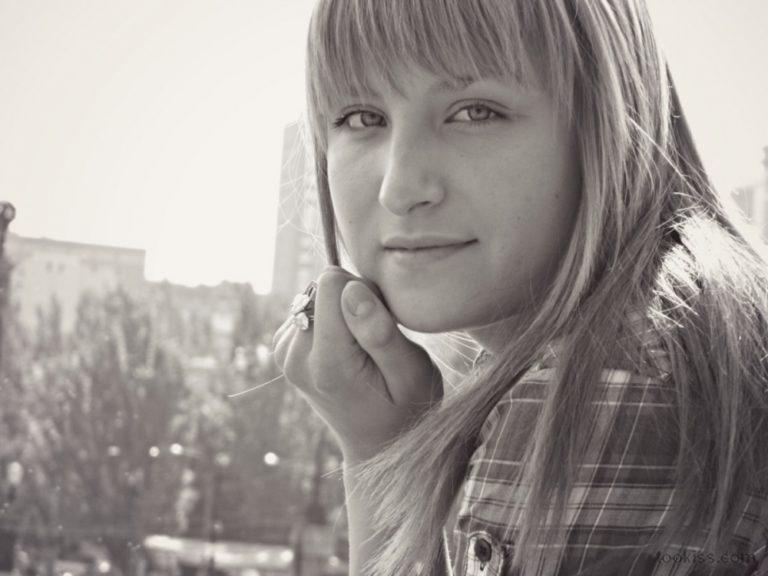 Gordana – Brach Teen mit riesigen Titten in der Öffentlichkeit gefickt