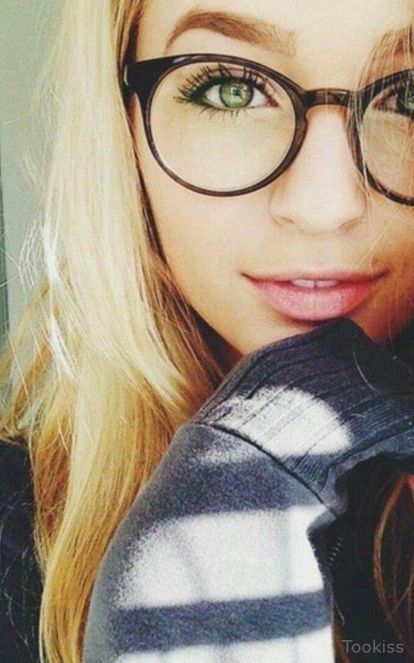 LisaBerger – Blondes riesiges Spielzeug fickt Arschloch