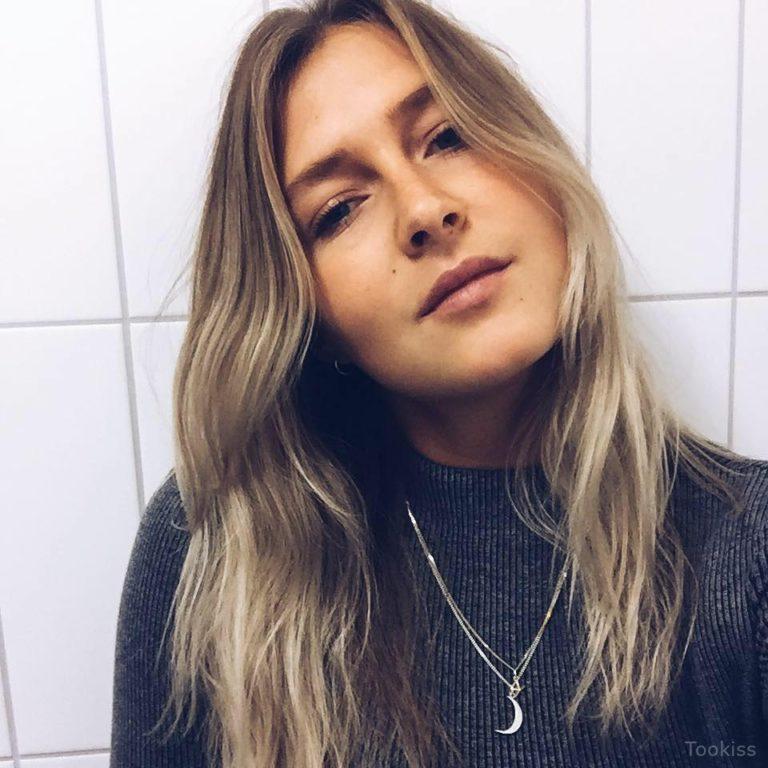 Junge_Sahra – Blonde Teen saugt Dildo Webcam xxx Dein Vergnügen ist mein