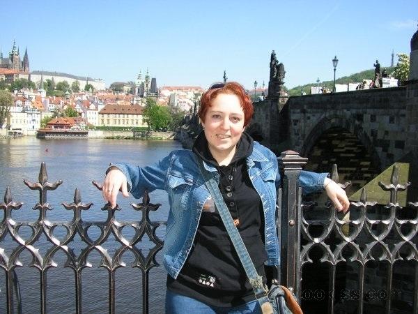 chrisTina – Lustvolle russische Brünette junge Candy wird geschlagen