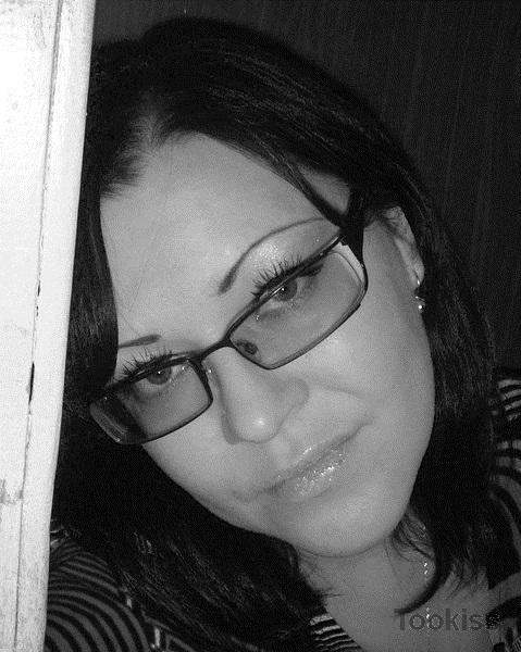 DavinaCHA – Das sexy Teen Ellie Eilish wird von Offizieren gefickt