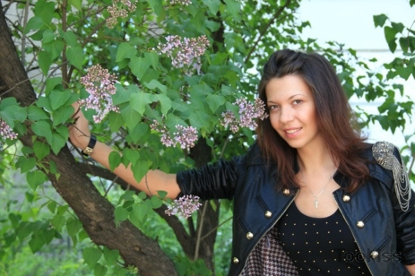 SEXY_Lyala – Amateur Teen saugen Schwänze, während gefingert