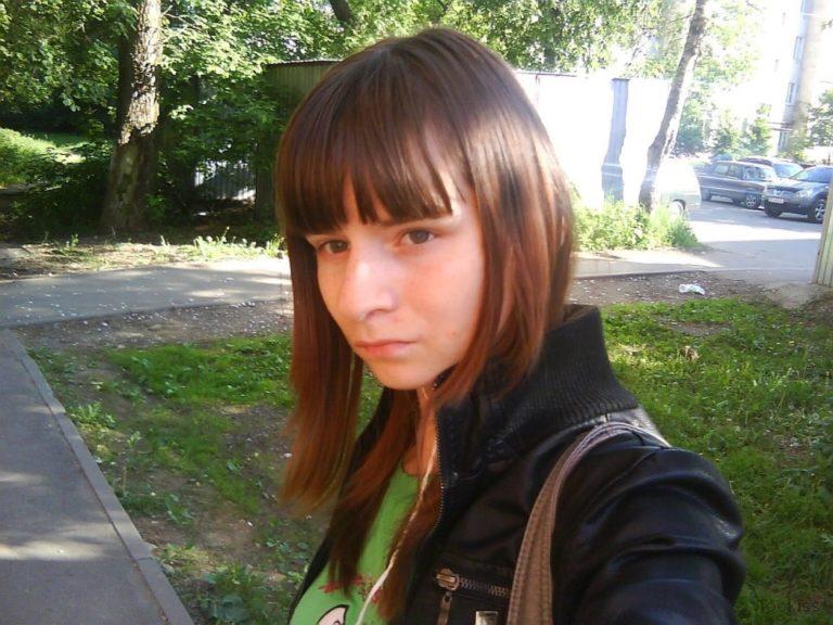 Ulrike18 – Rauer Dildo und Prügel gefickt Dreier Stephanie West