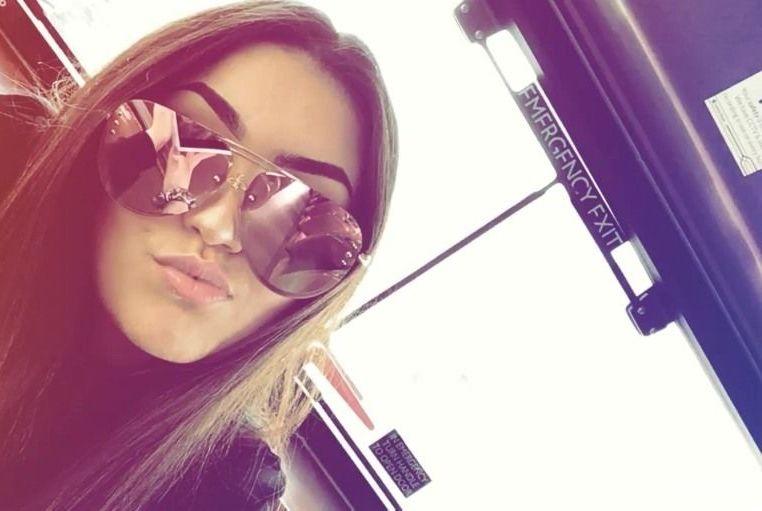 Michaela_booty – Teen Gangbang Kate & Tanya in der Sonne