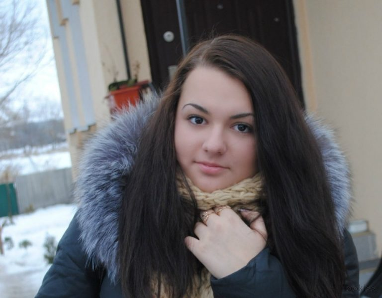 Sonna_SP – Ansprechende russische Floozy genießt jedes bisschen