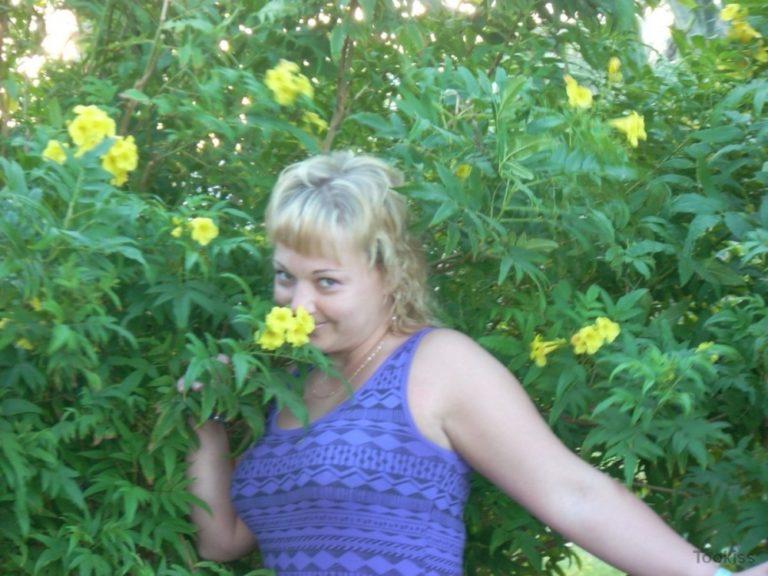 EffiE – Petite Teen Beute xxx Rachael widersetzt sich zunächst aber