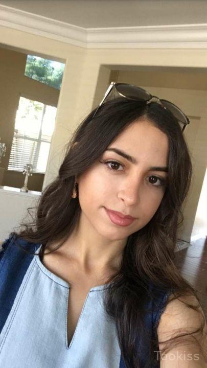 Priya – Brünette dicke Titten verifiziert zarten Sex im Whirlpool