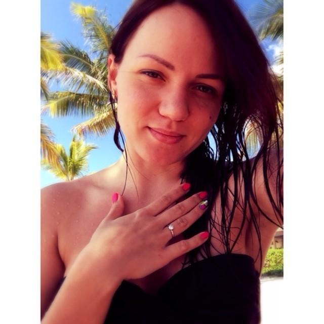 Amy_hot – Verführerische Teen Elena Gilbert stundenlang gefickt