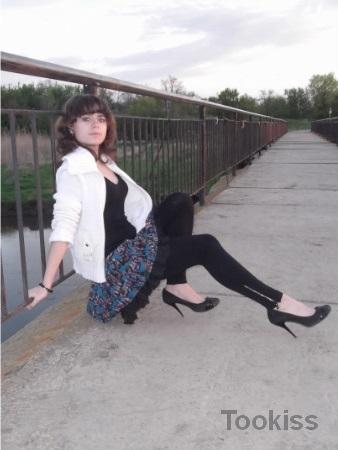Julianna_1991 – Naomi Blue hüpft mit ihrer Muschi auf und ab